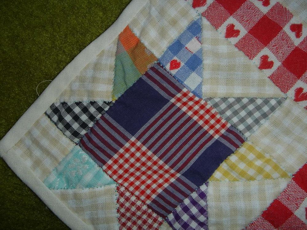 Patchwork_check_tablecloth_corner.jpg