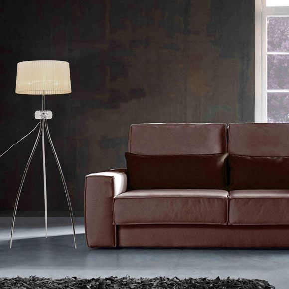 lampara-tripode-sofa-marron.jpg