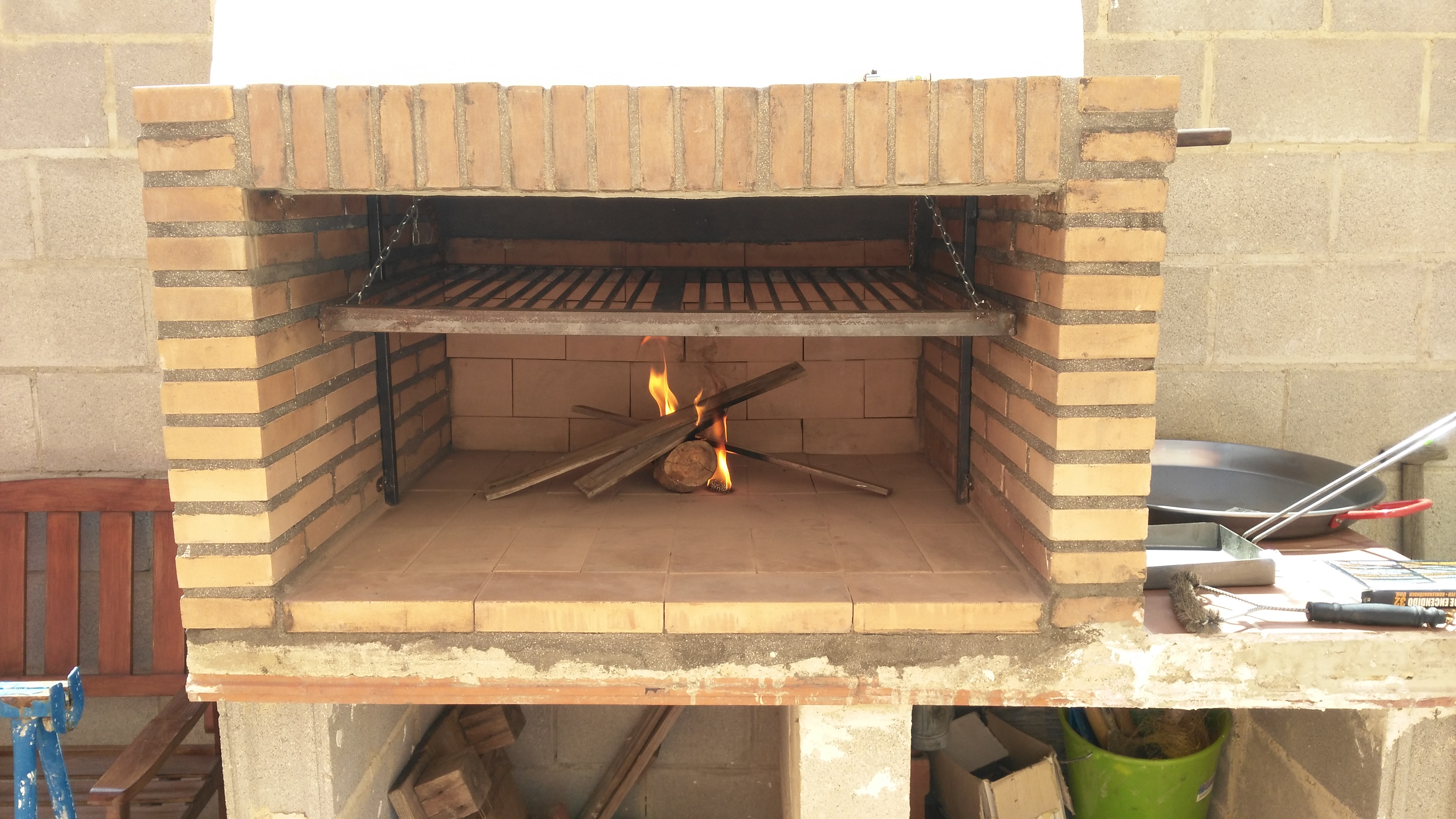 Barbacoa de obra comunidad leroy merlin for Barbacoa leroy merlin